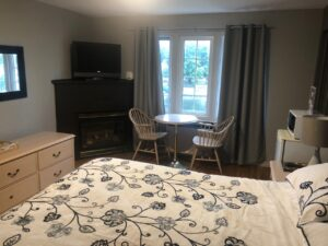 Room at the Bobcaygeon Inn